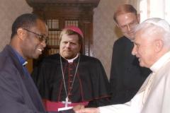 Lupus im Vatikan beim Papst